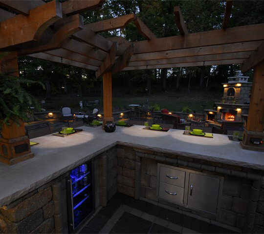 Outdoor Kitchens  (2)